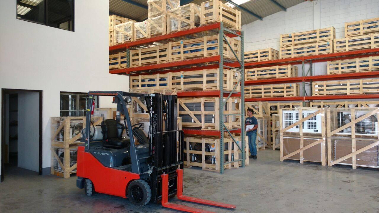 Bodega de Froztec: equipos de refrigeración industrial